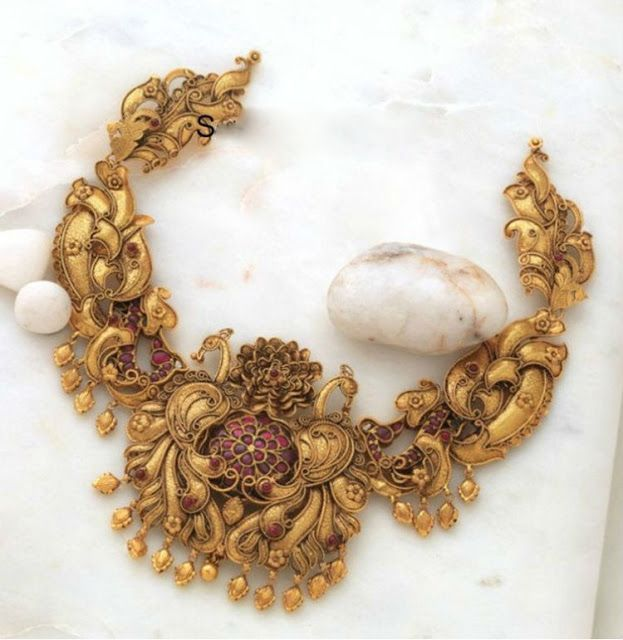 Antique work Broad Peacok Choker