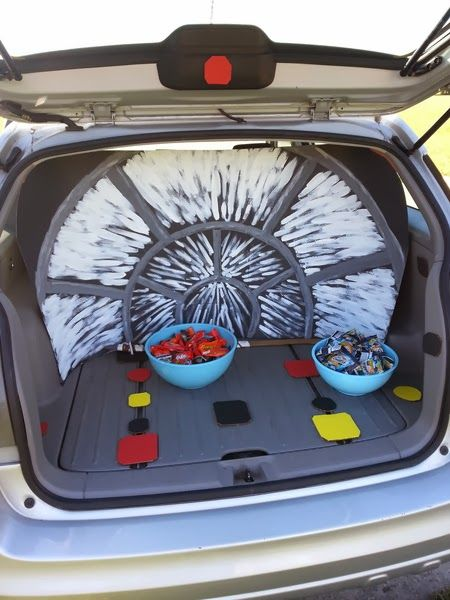 Star Wars Trunk Or Treat Millennium Falcon Does This