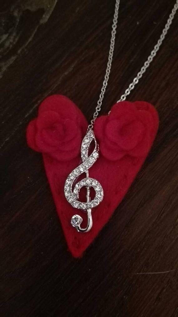 Guarda questo articolo nel mio negozio Etsy https://www.etsy.com/it/listing/508197653/collana-con-ciondolo-chiave-di-violino