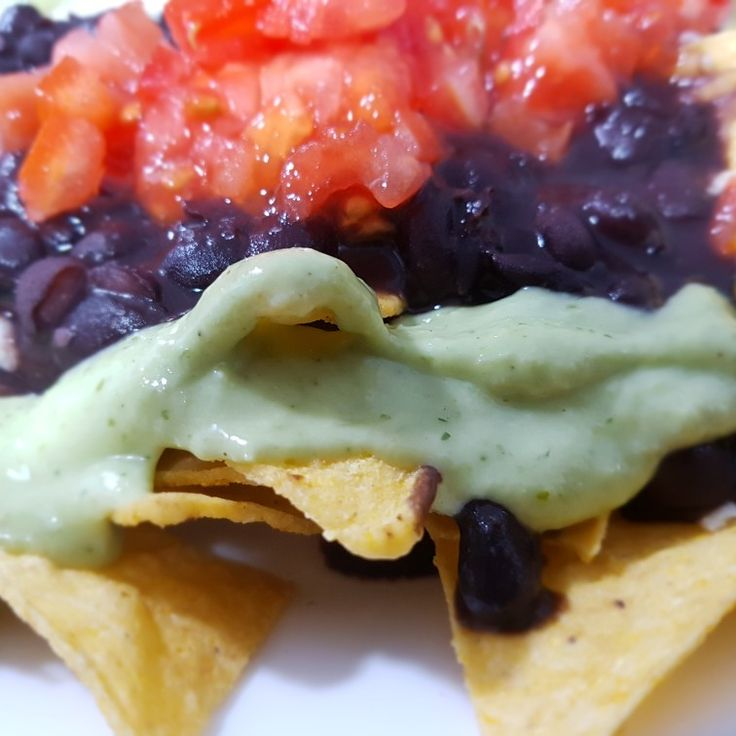 👀Uhmmmmmm👉#NACHOS RANCHOS.. 👈ÑAM ÑAM!! . . #sagradafamilia #elrincondelaabuelavenezolana #laabuelavenezolana #foodies #foodiebarcelona #comidavenezolana #restaurantesvenezolanosenbarcelona #venezolanosenbarcelona #foodiebarcelona #foodies #barcelona #venezuelantraditionalfood #vegetarian #instfood #foodporn #foodlovers #singluten #glutenfree #nachos