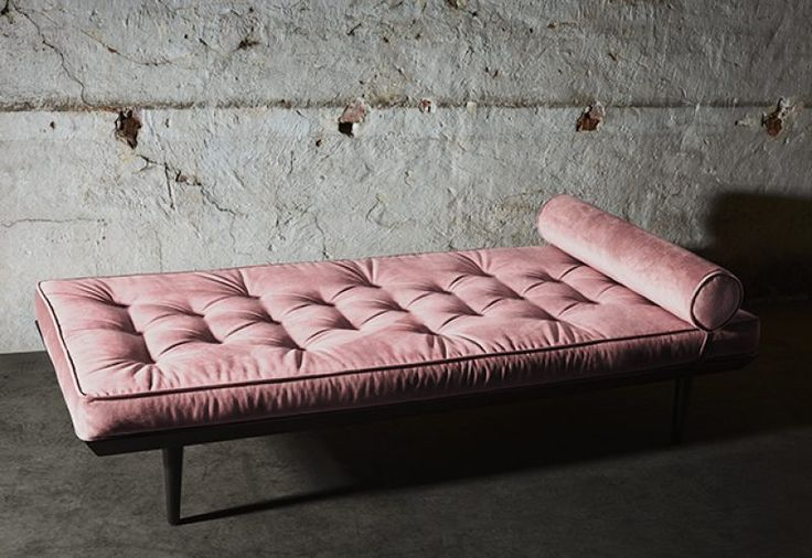 Layered's Ritzy Daybed Powder Pink.  The combination of the materials provides long-lasting durability, great comfort and support. Europe Free Shipping. See more at: http://layeredinterior.com/product/ritzy-daybed/