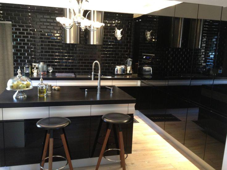 192 best images about r alisations de cuisines on pinterest kitchen store and deco cuisine. Black Bedroom Furniture Sets. Home Design Ideas