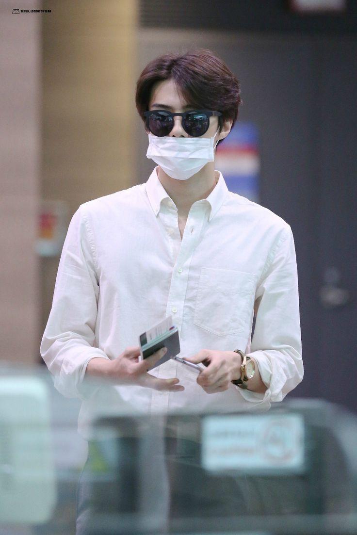 Incheon Airport to Xi'an 150821 : Sehun