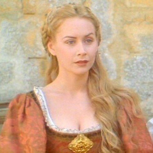 """Megan Dodds (Maguerite) 