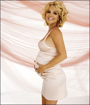 Britney during her first pregnancy w/ Sean Preston: Magazines Photos, Make Magazines, Britney Bitch, Baby Bump, Celebrity Baby, Baby Style, Photos Shoots, Britney B Tch, Britney Spears