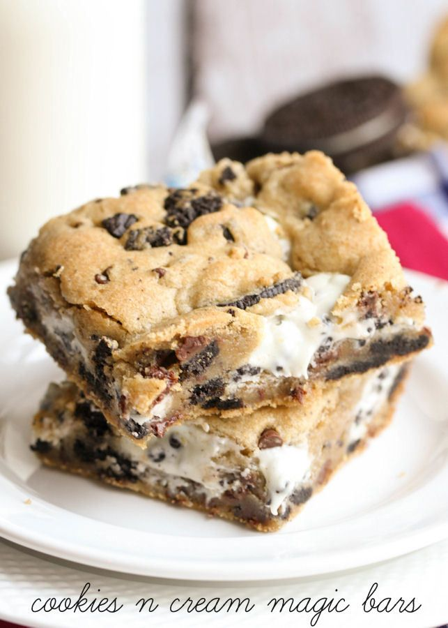 Cookies N Cream Magic Bars - YUM! { lilluna.com }