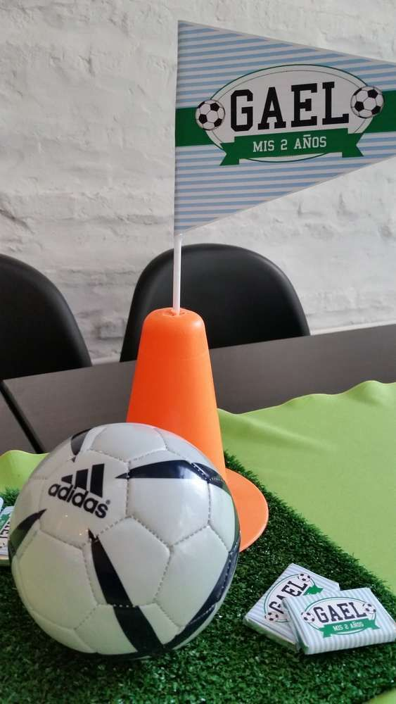 Gael Sports Party | CatchMyParty.com-cute center pieces