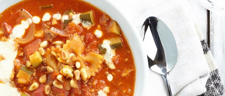 Elke week een lekker gemakkelijk plantaardig recept. Dat is Donderdag Veggiedag. Romige lasagnasoep