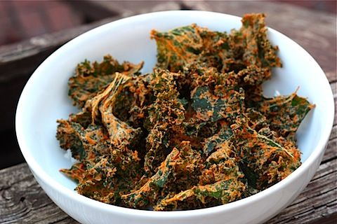 Spicy And Cheesy Kale Chips With Kale, Cashew Nuts, Lemon Juice, Nutritional Yeast, Red Bell Pepper, Chili Pepper, Sea Salt, Cayenne Pepper