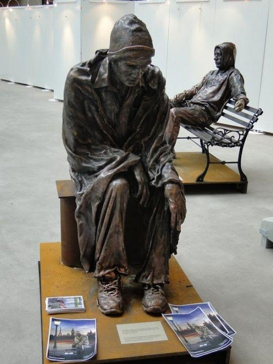 Google Image Result for http://1.bp.blogspot.com/_TbzPyAVsyG8/THY0MXeybGI/AAAAAAAAJp4/qUaEG6Owtkc/s1600/sculptures_homeless_people_01.jpg
