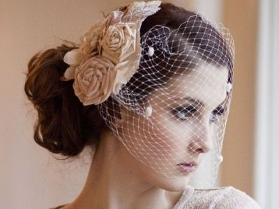 Amazing! Different variations of fascinators and DIY tutorials for each one :)