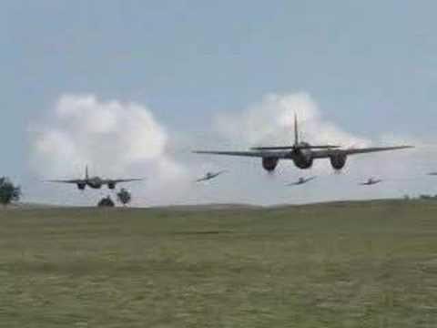 DH-98 de Haviland Mosquitos and Supermarine Spitfires 2006 V-12 Merlin