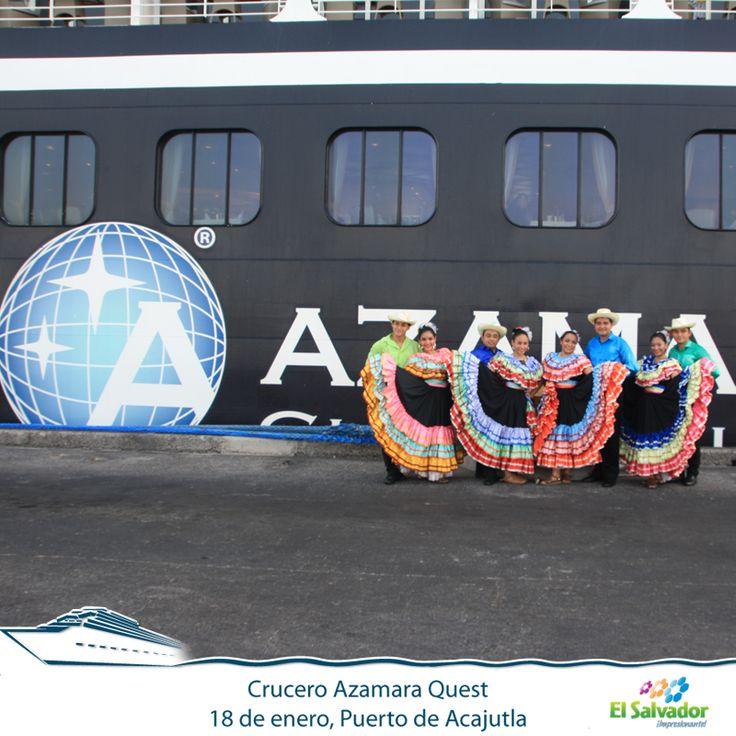 Lindas bailarinas le dan la bienvenida a los pasajeros del crucero Azamara Quest en el Puerto de Acajutla.