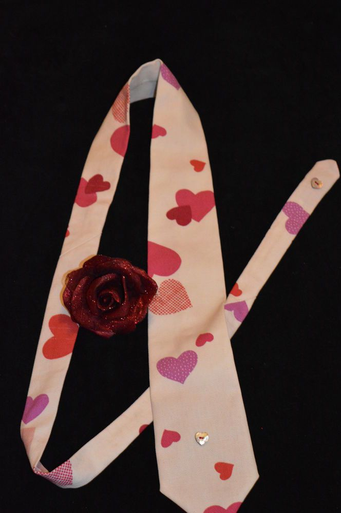 UNISEX Valentine s tie made in  Hearts  John Lewis fabric,+ scented rose