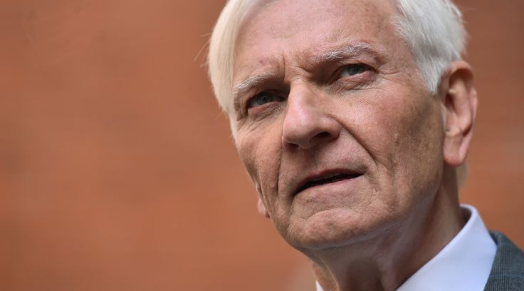 VIP pedophile probe 'ruined my life' - Harvey Proctor  http://pronewsonline.com  Former British Conservative MP Harvey Proctor is pictured as he arrives to address a press conference in central London, on March 29, 2016. © Ben Stansall