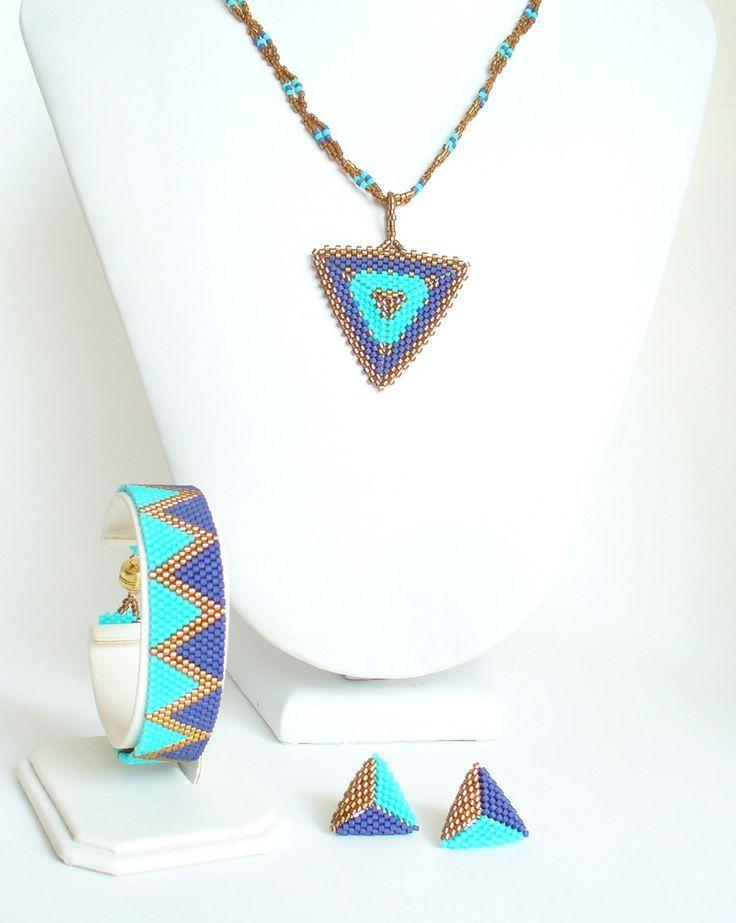 Peyote Necklace, bracelet, earrings 2449 made by Darlene Pfahl Lakesidejewelry.etsy.com