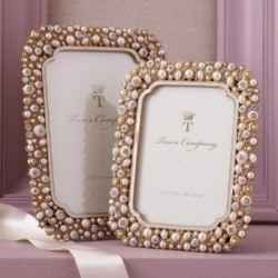 You'll find awesome pearl gifts here that are perfect for a 30th wedding anniversary or anytime you want to give the gift of pearls.    There are...