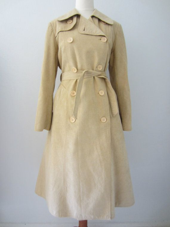60s/70s Saks Fifth Avenue Trench Coat in Cream Tan, M // Vintage Double Breasted Overcoat