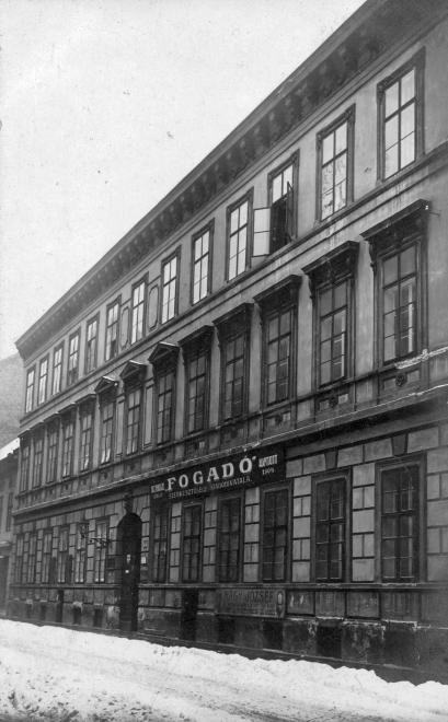 Gyulay Pál utca 9.