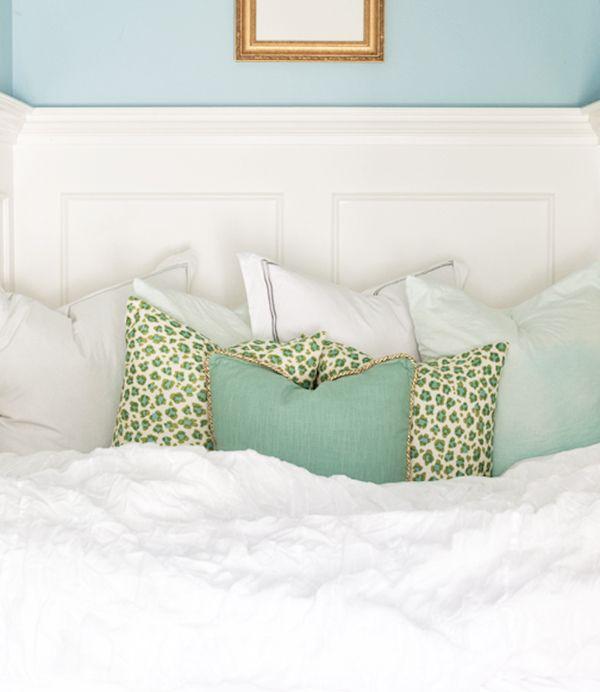 Pretty Bedroom Paint Colors Wallpaper For Bedroom Walls Designs Vintage Gold Bedroom Accessories Masculine Apartment Bedroom: Best 25+ Aqua Bedrooms Ideas On Pinterest