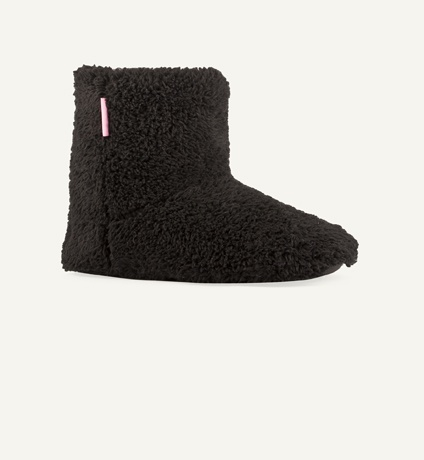 Also makes me want the winter to last longer! Little snuggly slippers