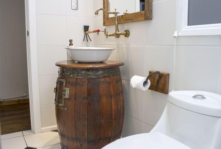 Su lavamanos es un barril. #baño #hotelboutique #chile #magallanes #travel #puntaarenas