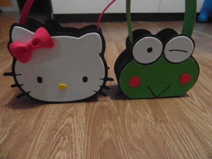 MANUALIDADES :como hacer bolso (dulcero) keroppi amigo Hello kitty de go...