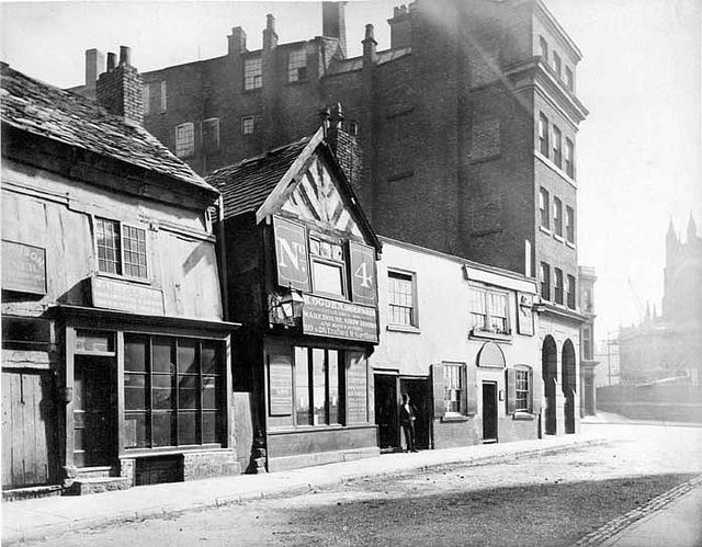 Old White Lion, Long Millgate, Manchester 1875 (Manchester Cathedral is in the background)