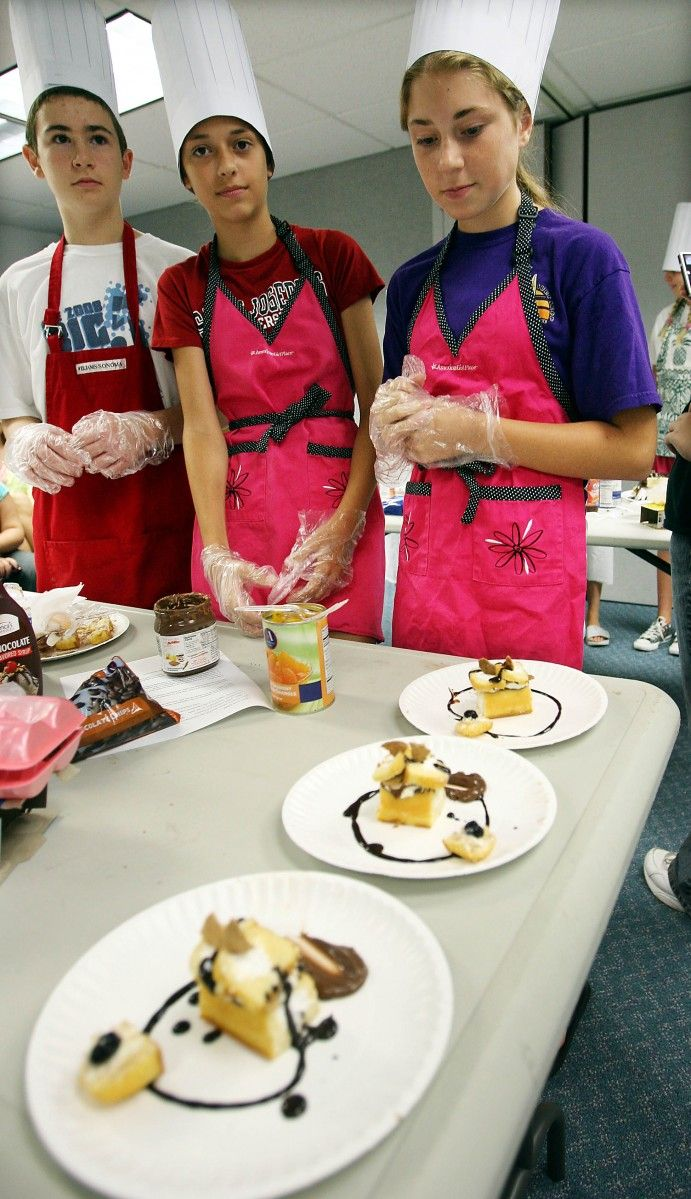 Library's 'Iron Chef' competition sends teens into battle with Twinkies