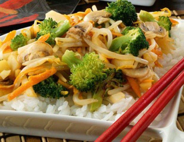 Lleva lo mejor de la comida china a tu mesa con esta deliciosa receta de chop suey y deleita a toda tu familia.