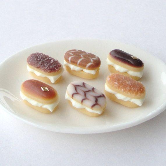 Mercia Miniatures - mini cream cakes!
