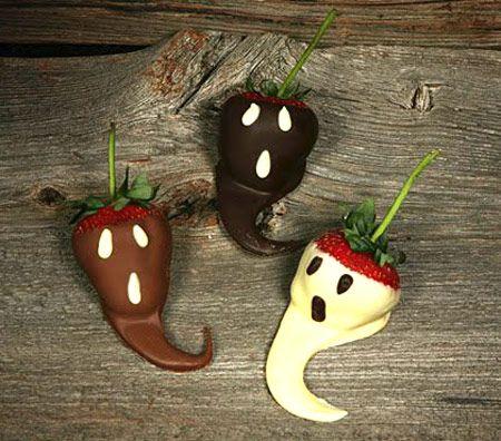 Postres fáciles para Halloween Si estáis buscando postres fáciles de Halloween, os sorprenderán estas fresas con chocolate... perfectas para amenizar cualquier fiesta de Hallowee...