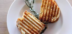 The Pioneer Woman: Recipes: Chicken Apricot Panini | Food Network Asia