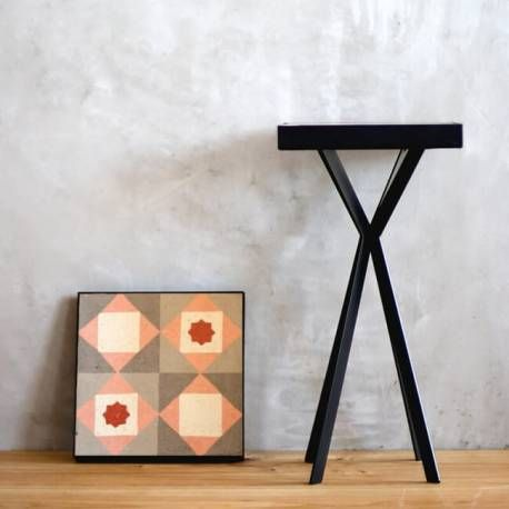Comprar mesa con baldosa hidráulica recuperada. Escoge el modelo de baldosa que más se adapte a tus gustos o decoración y crea tu mesa con su propia historia
