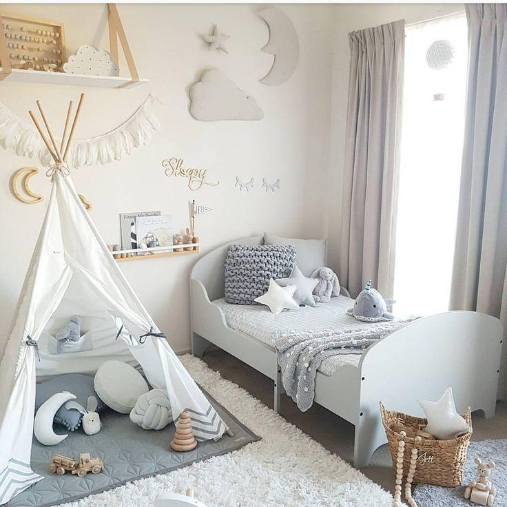 "428 To se mi líbí, 52 komentářů – Tamra Ellis (@tamraellis) na Instagramu: ""Jett's new big boy bed 💞 Enjoy your evening babes💫 #greyandwhite #toddlerroom #jettsroom #ikea…"""