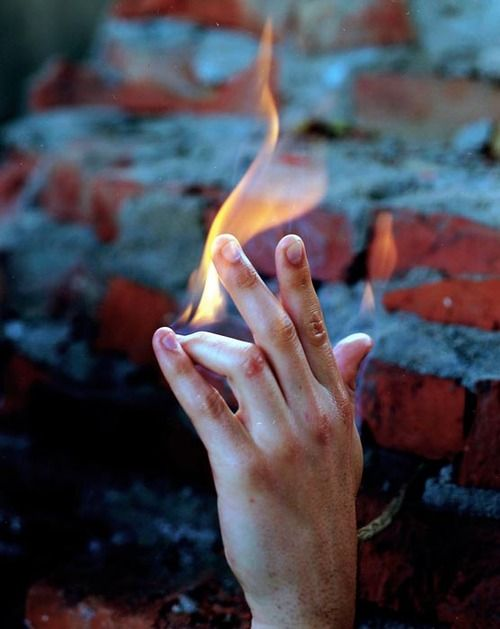 Torbjørn Rødland-Hand on Fire, 2008 #photography