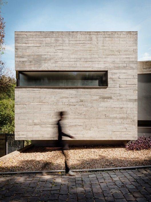 Pereira Narvaes House / SUCRA Arquitetura + Design, © Cristiano Bauce                                                                                                                                                                                 More