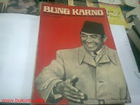 "Bung Karno Penyambung Lidah Rakyat Indonesia.   Judul asli : "" Sukarno, An Biography as told to Cindy Adams"" yang diterbitkan  oleh Bobbs Merril Company, New York, 1965.  Penulis : Cindy Adams.  Alih Bahasa : Mayor Abdul Bar Salim."