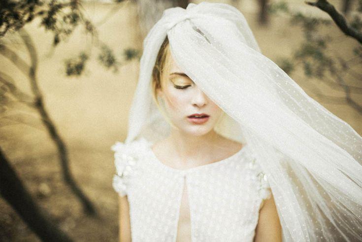 La nueva colección de vestidos de novia de Beba's Closet presenta diseños muy sensuales para sorprender con un traje de novia único y especial. Descúbrela.