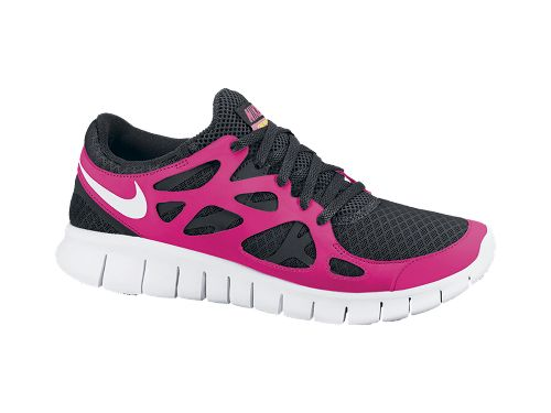 Think my next pair of Free Run's need to be this color. Pink! <3