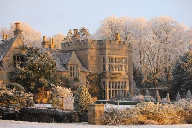 I love the idea of a frosty wedding in the country :)