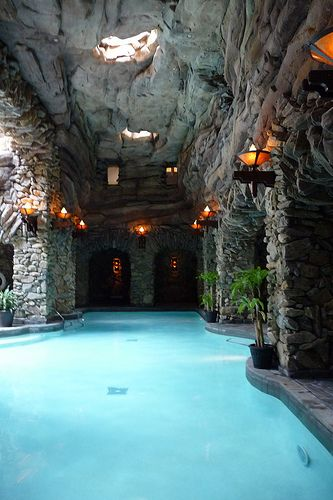 Grove Park Inn. Asheville, NC- Luxury get away resort. While the kids play tennis, parents can enjoy this incredible spa. http://exploretheworldwithyourkids.com/2014/07/07/top-8-reasons-and-tips-for-a-family-vacation-in-the-great-smoky-mountains/