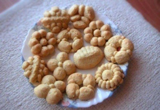 Vaníliás linzer keksznyomóval recept képpel. Hozzávalók és az elkészítés részletes leírása. A vaníliás linzer keksznyomóval elkészítési ideje: 60 perc