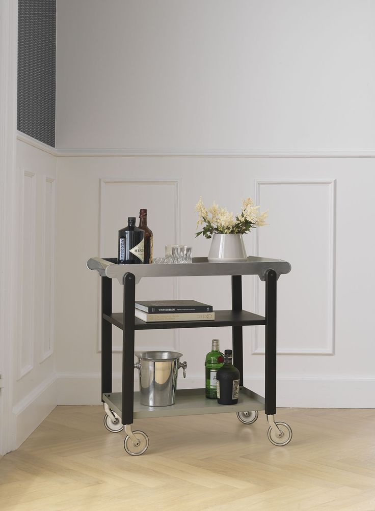Anoon acts as a unifying element to the home décor with an adaptability which means it can be used in any room either in a portable or static context. As well as a traditional drinks trolley or serving cart, use it as a supplementary table or shelving unit in the kitchen, dining room, hallway or home bar. With Anoon you can create a special atmosphere in the room and add an extravagance with plants, books, drinks and light.