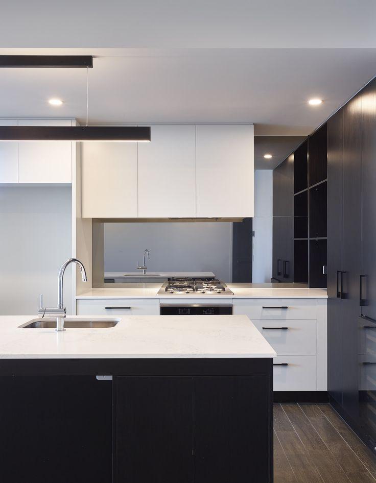 Argentum | Photography by Scott Burrows | Designed by Ellivo | www.ellivo.com | #design #architecture #interiordesign #blackandwhite #kitchendesign #kitchen #appliances #lighting