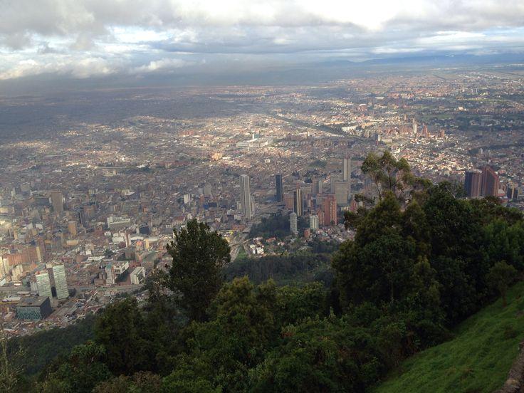 Bogotá, desde cerro de Monserrate a 3,200 metros de altura