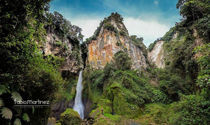 Cascada y Termales Tajumbina LA Cruz Nariño. Se encuentra a 12 kms., de la cabecera municipal, a 2.380 msnm.  © 2013. Fotografía: Fabio Martinez   @fabiofamar