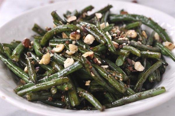 HAZELNUT BALSAMIC GREEN BEANS