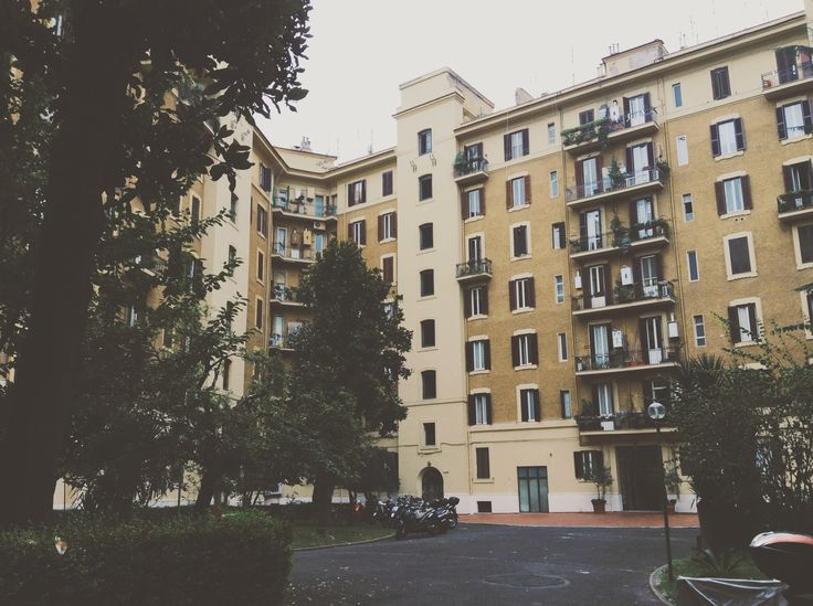 Hidden courtyards of #rome #prati