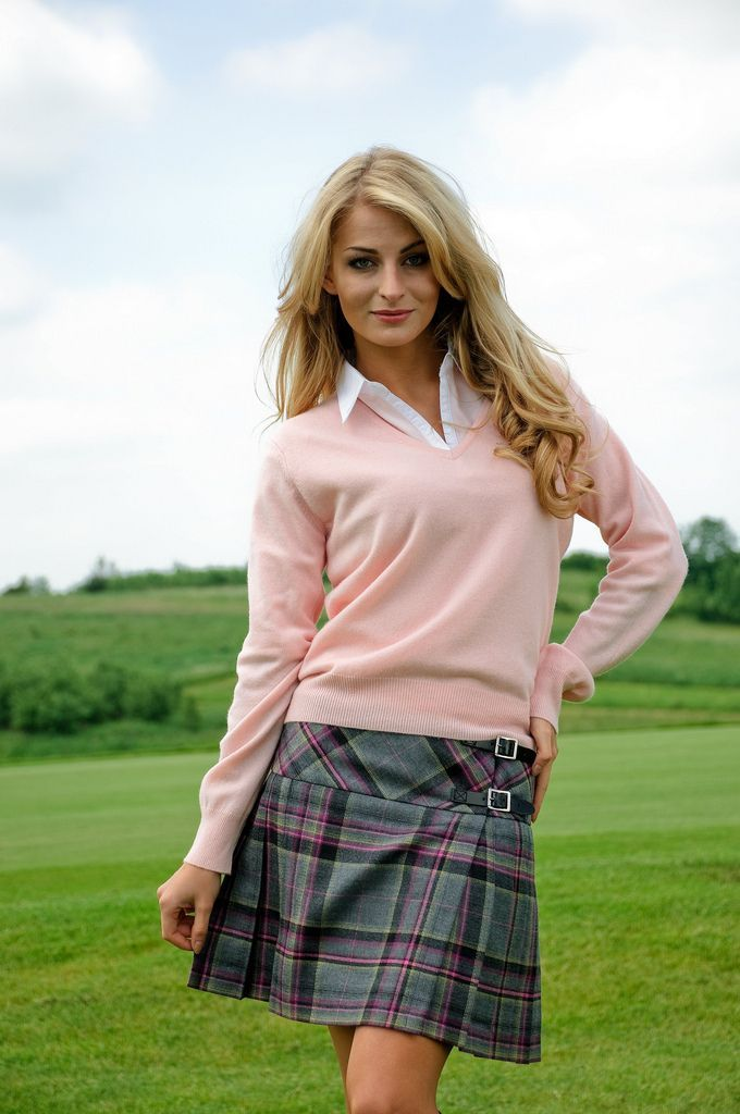 Not keen on the jumper but the mini kilt is cute. Ditto